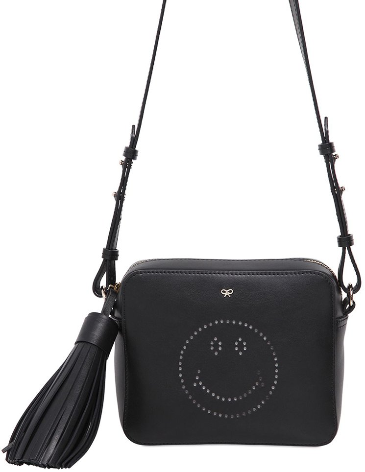 Anya-Hindmarch-Smiley-Hand-Bags-11