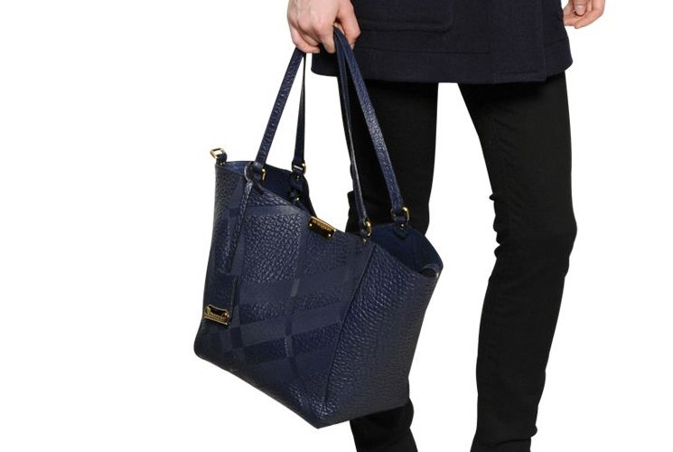 Burberry-Canterbury-Elephant-Embossed-Tote-Bag-13