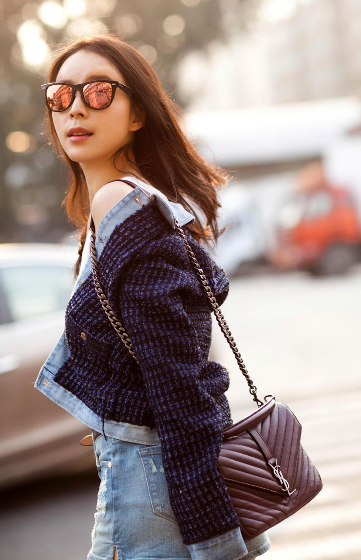 How-Celebrities-Carry-The-Saint-Laurent-Classic-Monogram-Bags-10
