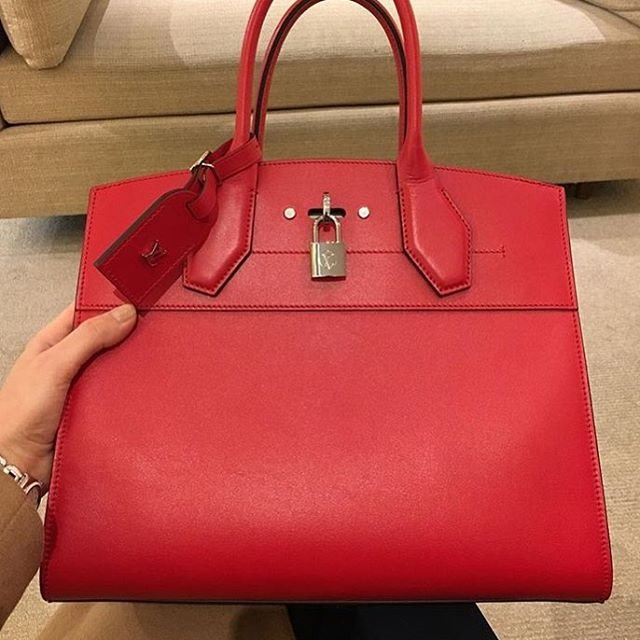 A-Closer-Look-Louis-Vuitton-City-Steamer-Tote-Bag-2