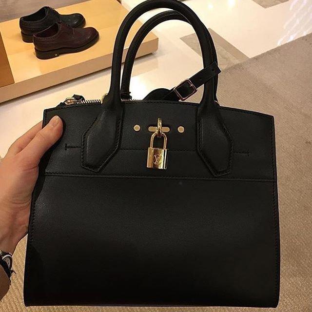 A-Closer-Look-Louis-Vuitton-City-Steamer-Tote-Bag