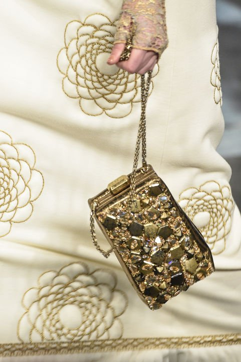 Chanel-Métiers-d'Art-Pre-Fall-2016-Runway-Bag-Collection-Preview-2-4