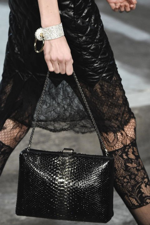 Chanel-Métiers-d'Art-Pre-Fall-2016-Runway-Bag-Collection-Preview-2-5
