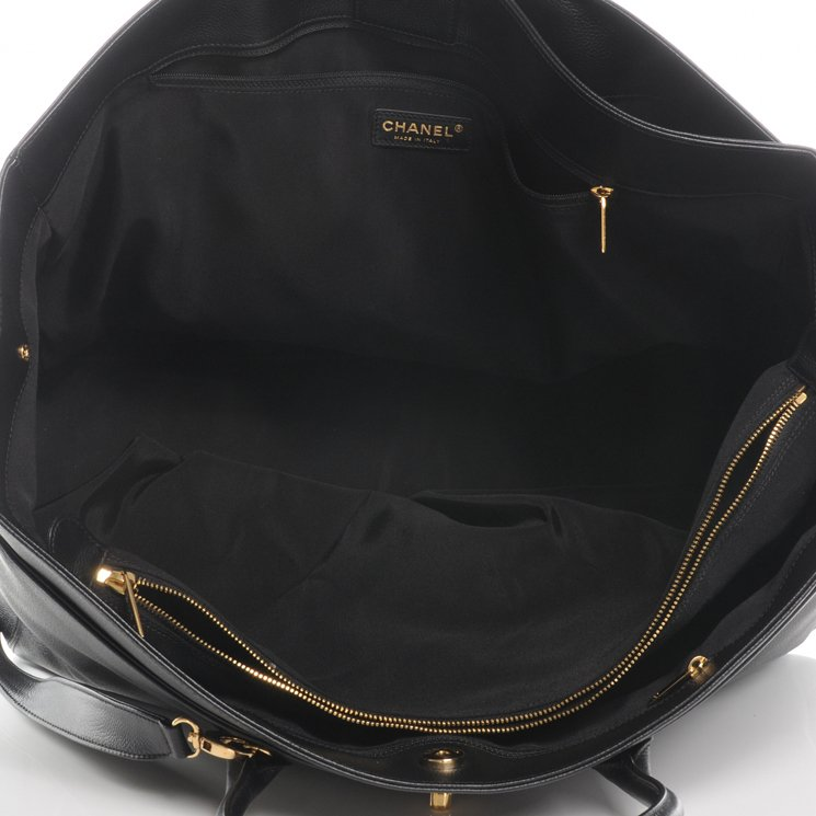 Chanel-Cerf-Tote-Interior