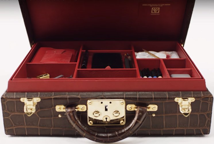 Louis-Vuitton-Watercolor-Box-Trunk-6