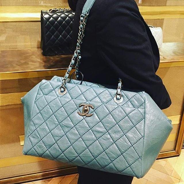Chanel-Crispy-CC-Shoulder-Bag