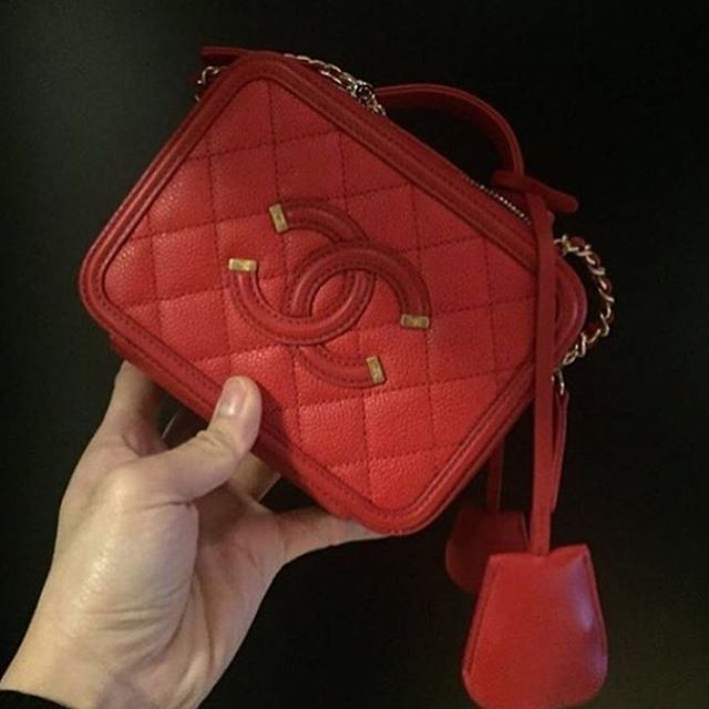 Chanel-CC-Filigree-Vanity-Case-Bag-red