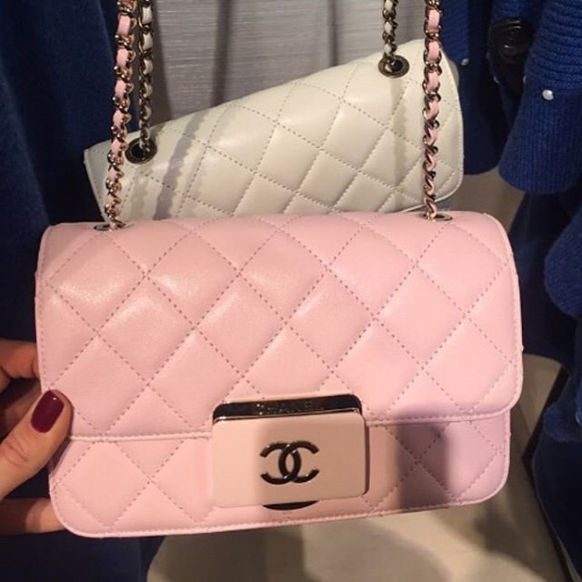 Chanel-Quilted-CC-Plate-Flap-Bag-3