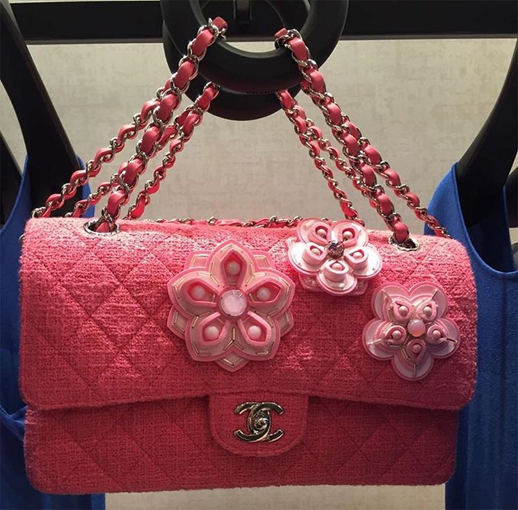c01fd6ee9df852 Chanel Tweed Flower Classic Flap Bag | Bragmybag