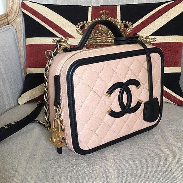 Chanel-Vanity-Case-2