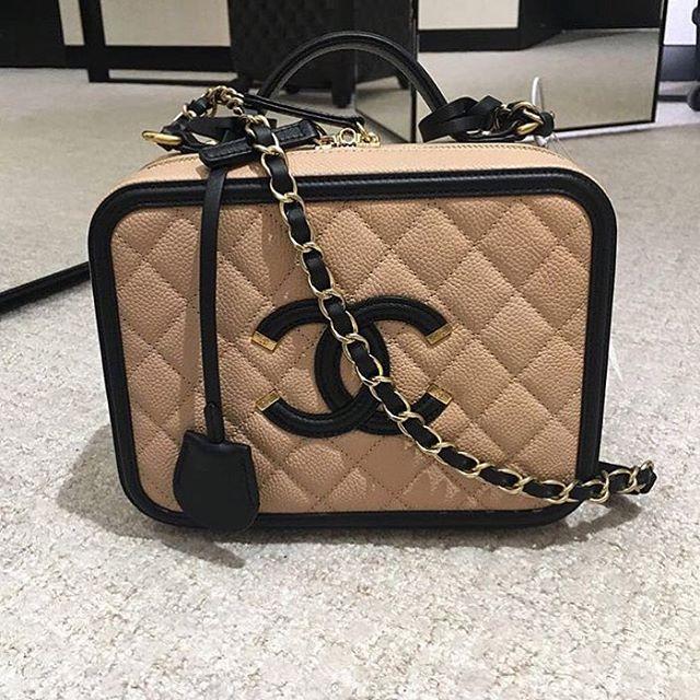Chanel-Vanity-Case-3