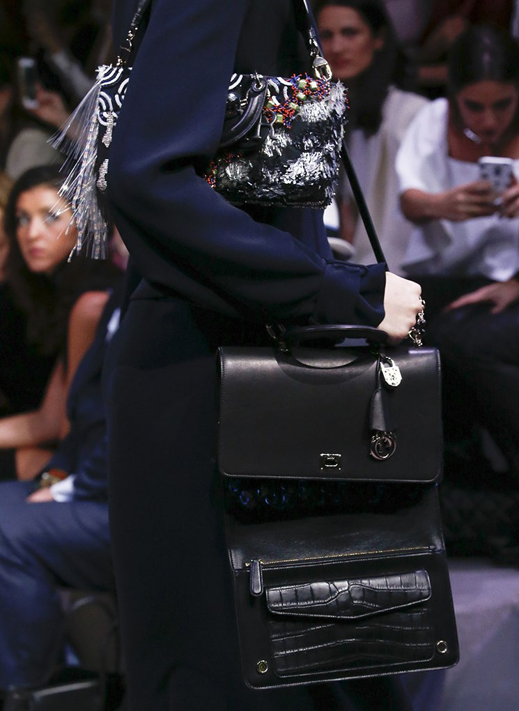 Dior-Fall-Winter-2016-Runway-Bag-Collection-12