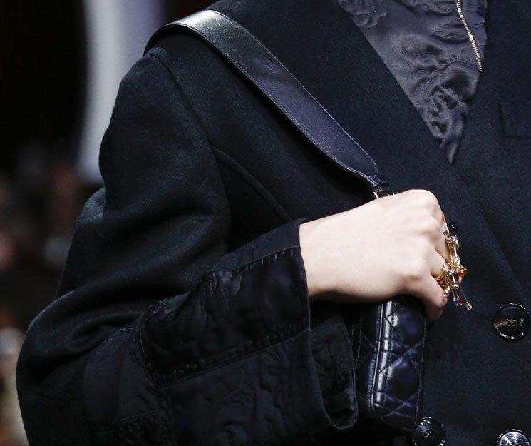 Dior-Fall-Winter-2016-Runway-Bag-Collection-31