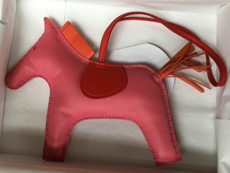 how much are birkin handbags - Shopping With James: Hermes Evelyne III TGM vs TPM | Bragmybag