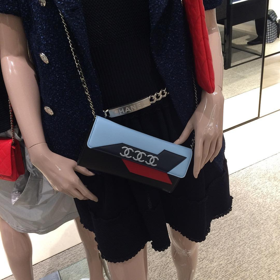 14c2395eb2de A-Closer-Look-Chanel-Airline-WOC. The Airline WOC (Wallet on Chain Bag) ...