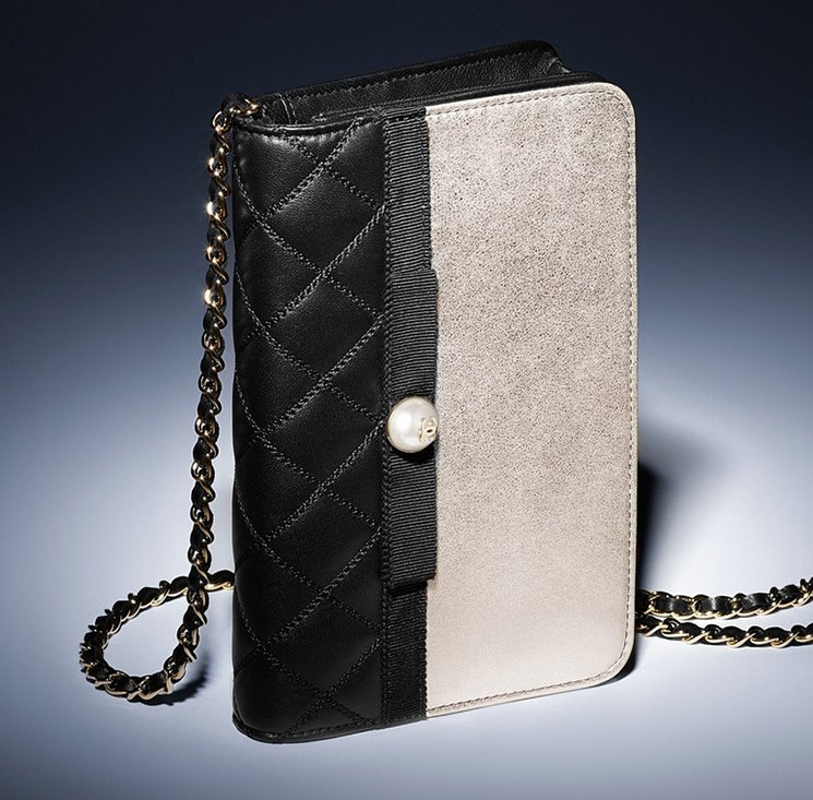 f297753e7c6c Chanel-Pearl-Wallet-On-Chain-Bag-2