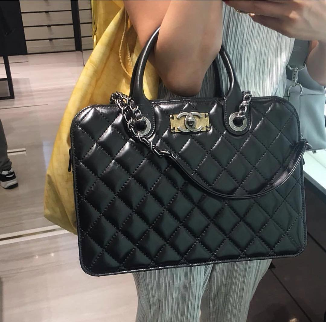 3103a45c8bb0 Chanel Quilted Tote Bag with Vintage CC Clasp – Bragmybag