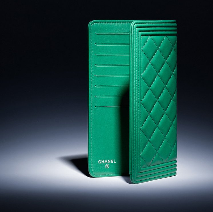 Boy-Chanel-Quilted-Wallet-2