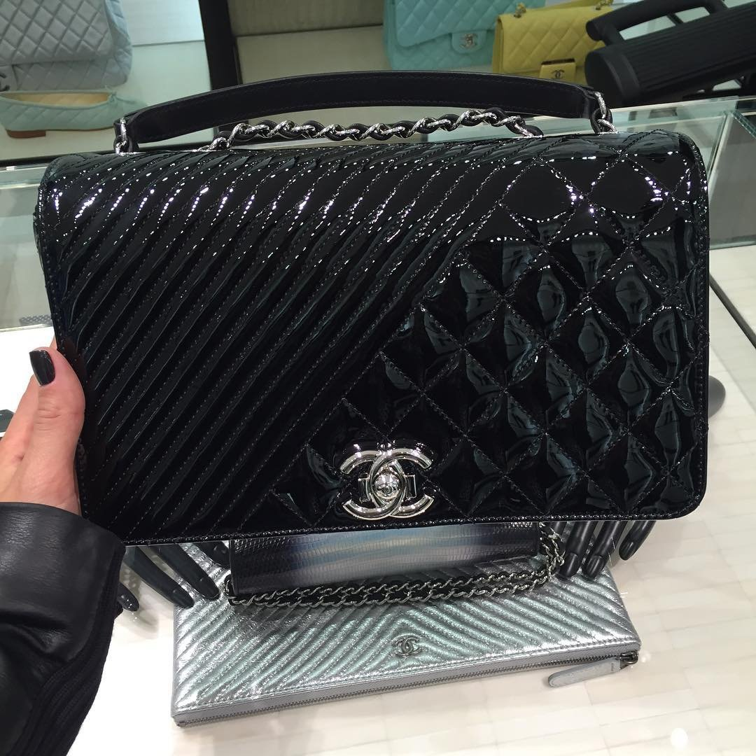 ab0bfcfd0a9a Chanel Diamond Chevron Quilted Flap Bag - Best Quilt Grafimage.co