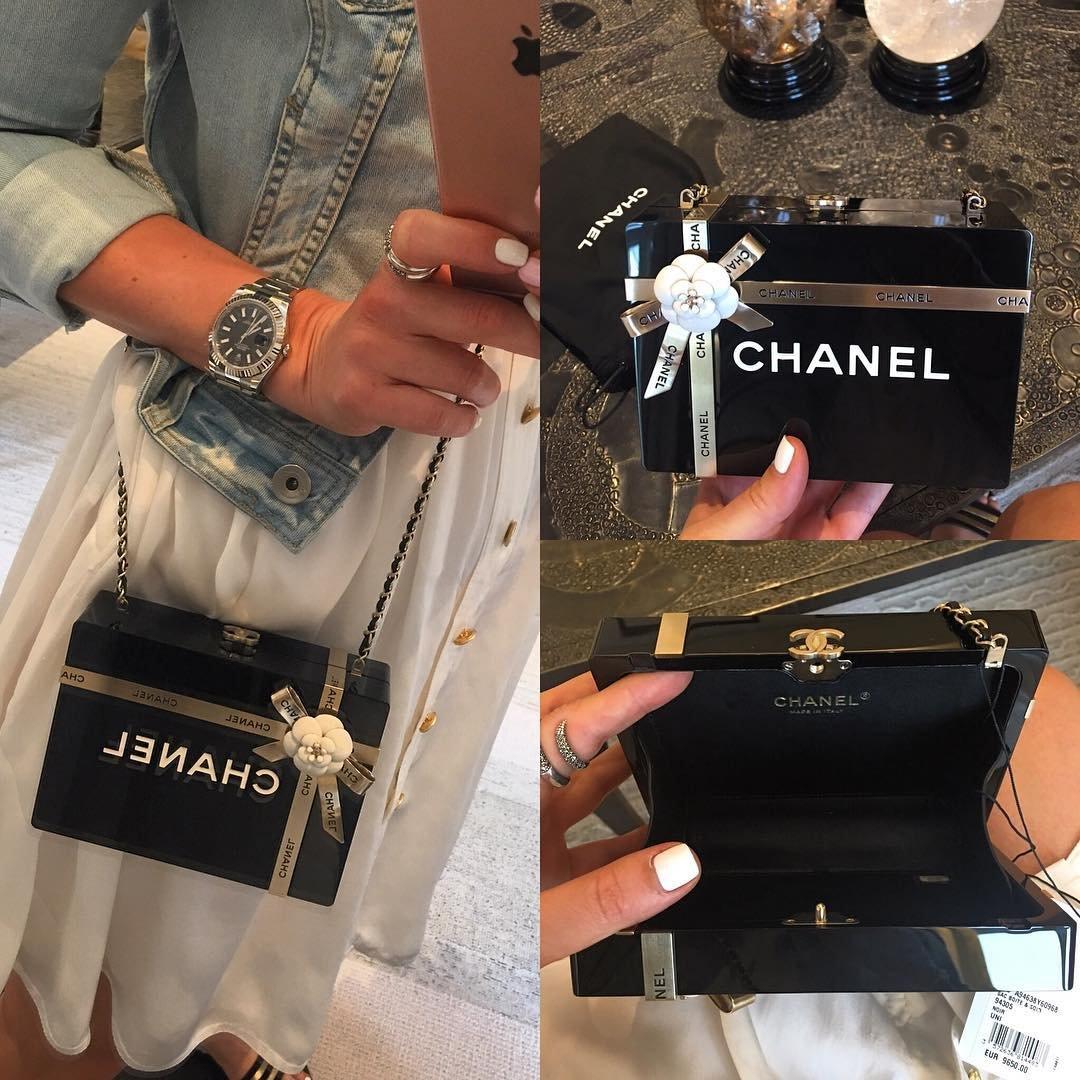 a closer look  chanel gift box evening clutch bag