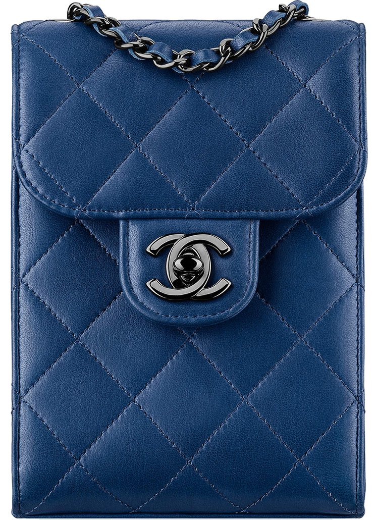 Chanel-Squared-Wallet-On-Chain