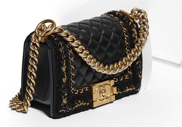 boy-chanel-quilted-knit-around-bag-3