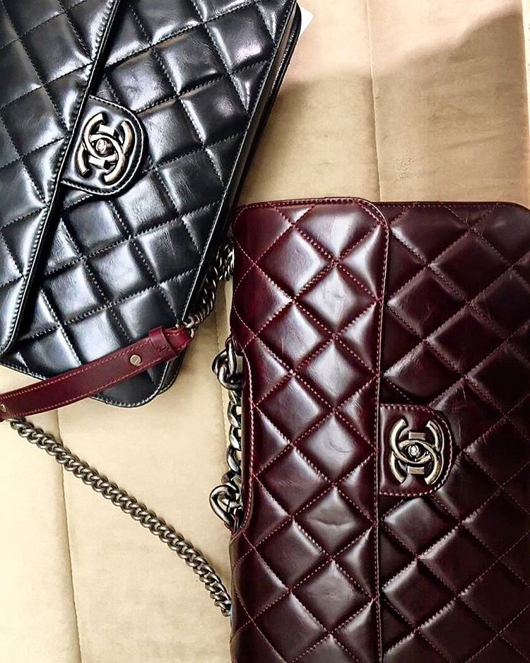 Chanel-Large-Chain-Flap-Bag