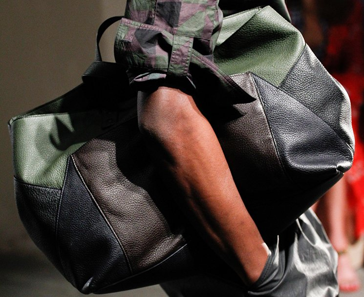 bottega-veneta-spring-summer-2017-runway-bag-collection-featuring-new-chic-bags-15