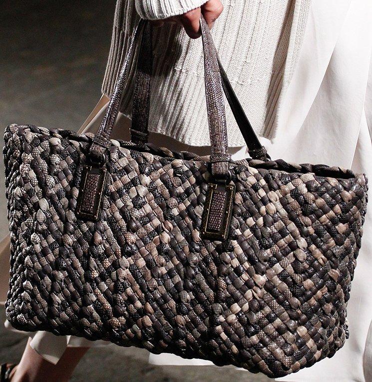 bottega-veneta-spring-summer-2017-runway-bag-collection-featuring-new-chic-bags-25