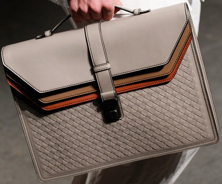 bottega-veneta-spring-summer-2017-runway-bag-collection-featuring-new-chic-bags-31