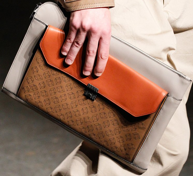 bottega-veneta-spring-summer-2017-runway-bag-collection-featuring-new-chic-bags-37