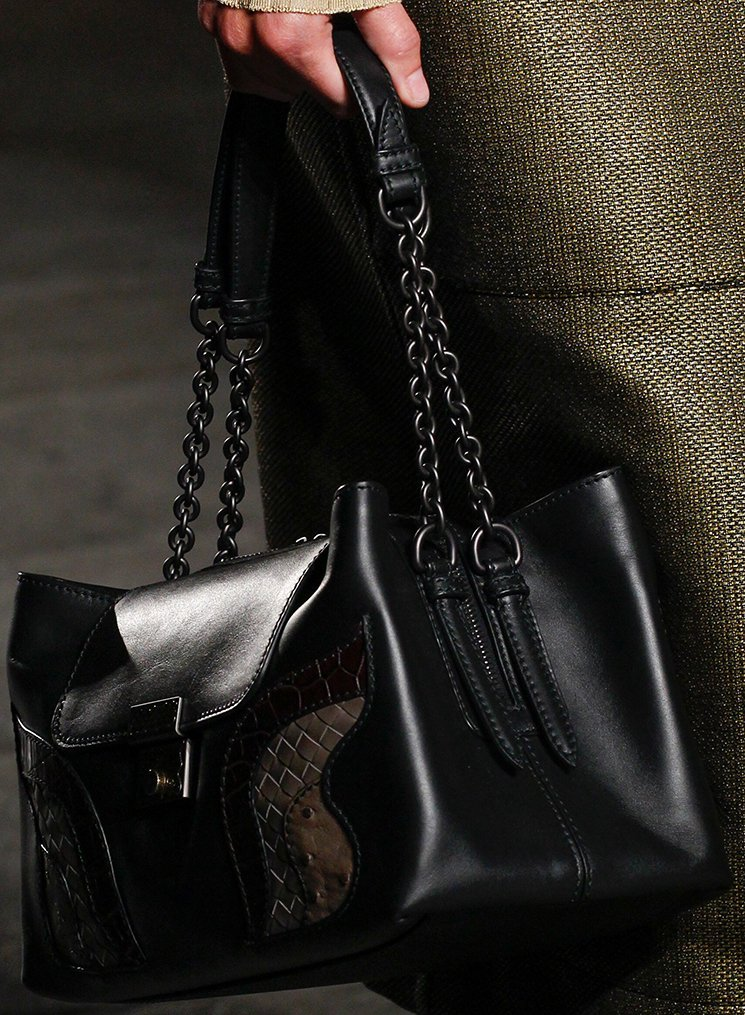 bottega-veneta-spring-summer-2017-runway-bag-collection-featuring-new-chic-bags-4