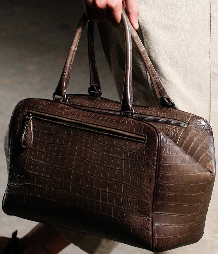 bottega-veneta-spring-summer-2017-runway-bag-collection-featuring-new-chic-bags-42