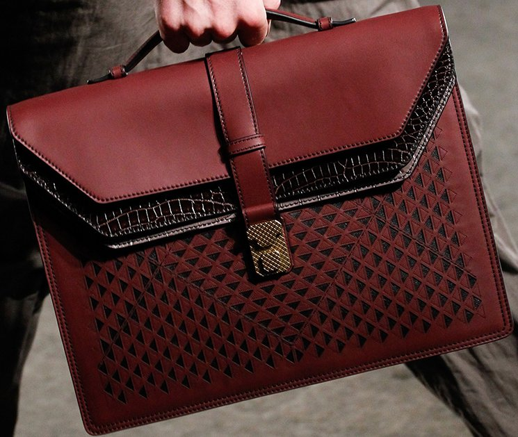 bottega-veneta-spring-summer-2017-runway-bag-collection-featuring-new-chic-bags-45