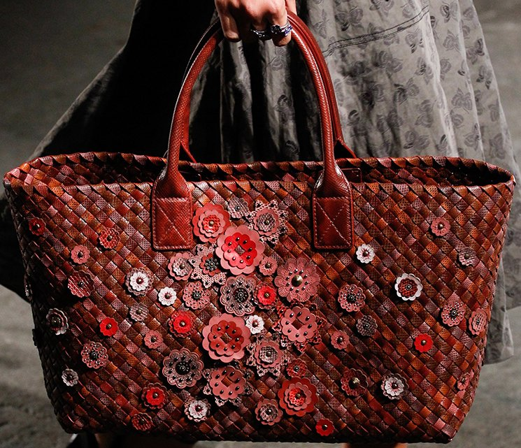 bottega-veneta-spring-summer-2017-runway-bag-collection-featuring-new-chic-bags-46
