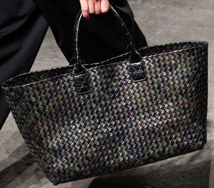 bottega-veneta-spring-summer-2017-runway-bag-collection-featuring-new-chic-bags-5