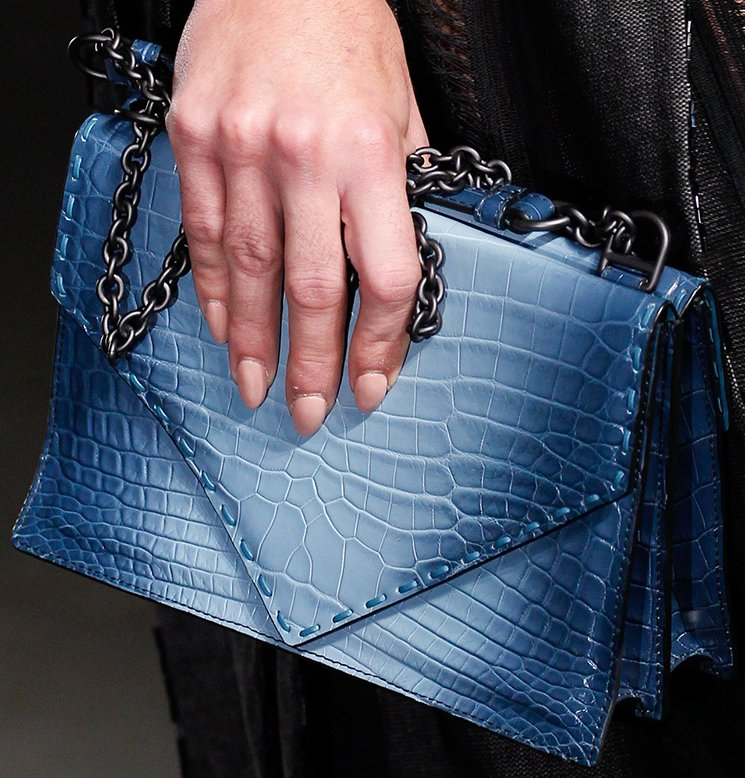 bottega-veneta-spring-summer-2017-runway-bag-collection-featuring-new-chic-bags-8