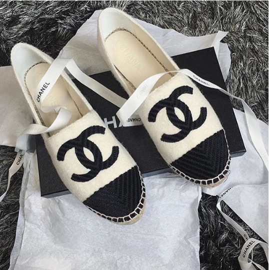 chanel-black-white-fabric-espadrilles