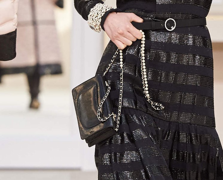 chanel-fantasy-pearls-flap-bag-2