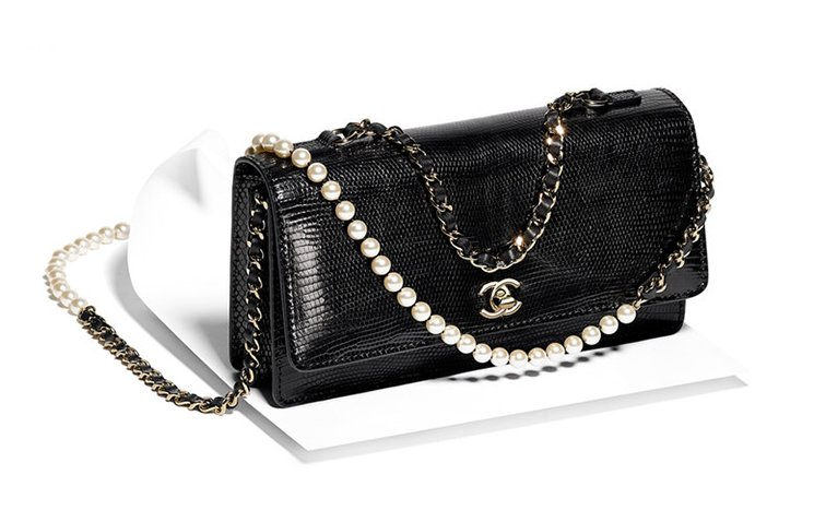 chanel-fantasy-pearls-flap-bag-4