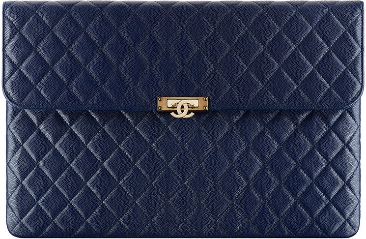 chanel-gold-class-double-cc-pouch