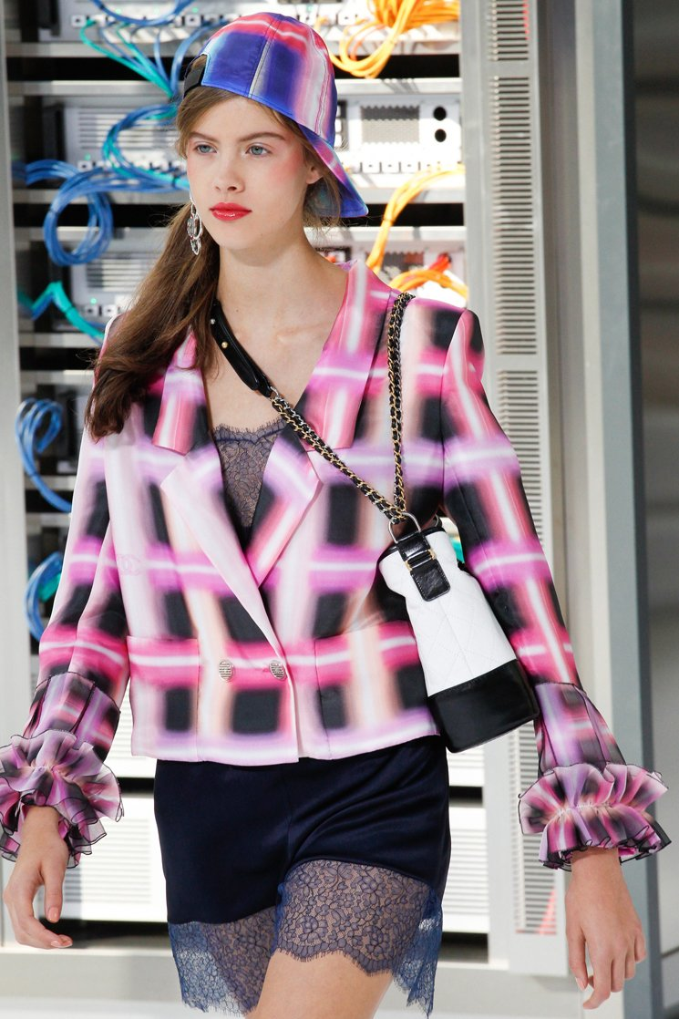 chanel-spring-2016-runway-bag-collection-14