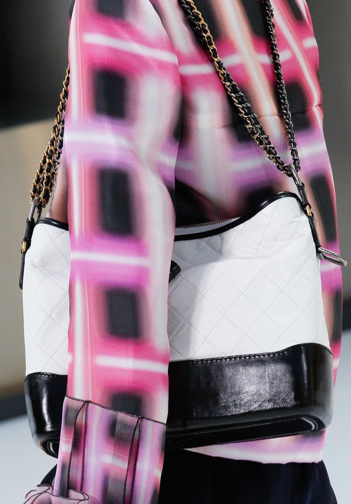 chanel-spring-2016-runway-bag-collection-15
