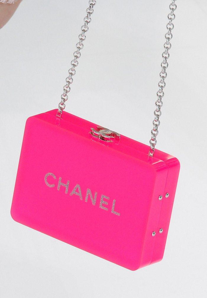 chanel-spring-2016-runway-bag-collection-16