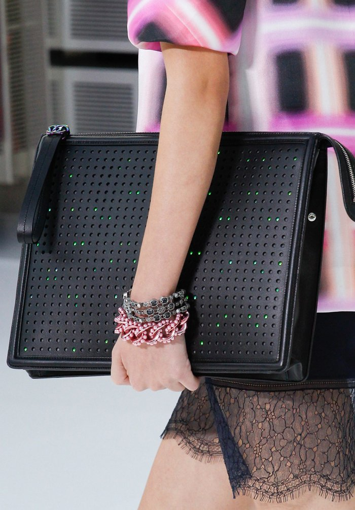 chanel-spring-2016-runway-bag-collection-17