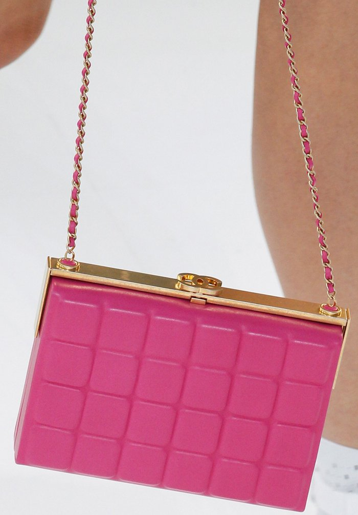 chanel-spring-2016-runway-bag-collection-2