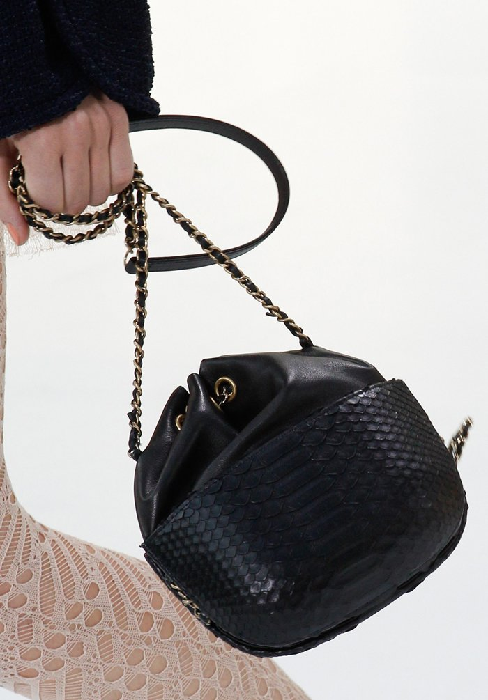 chanel-spring-2016-runway-bag-collection-21