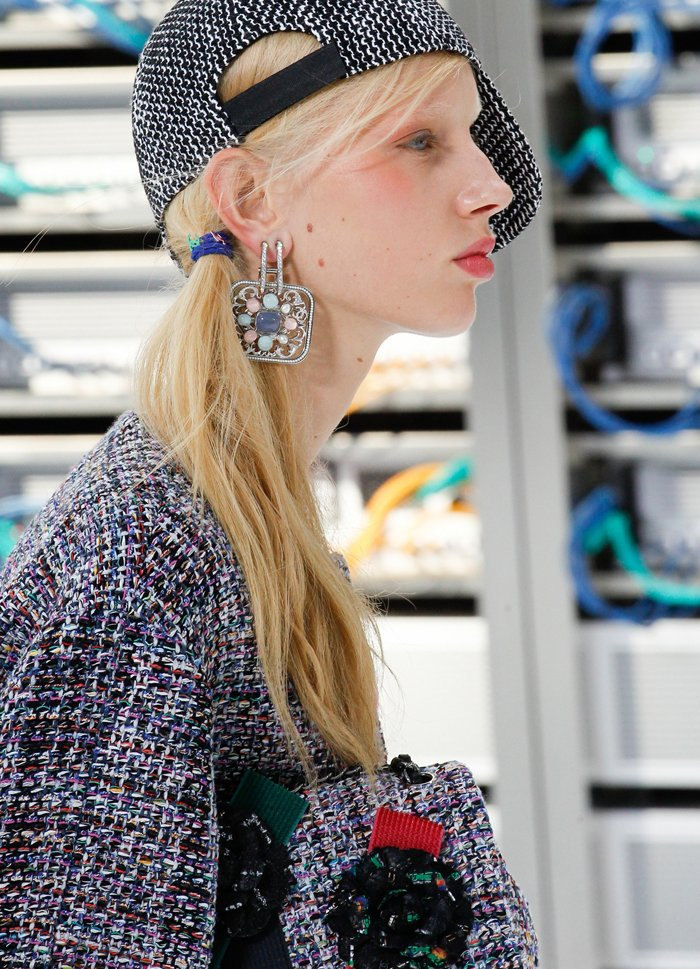 chanel-spring-2016-runway-bag-collection-7