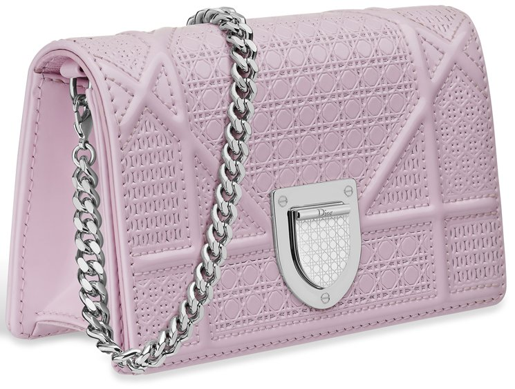 diorama-pink-baby-pouch-with-chain-3