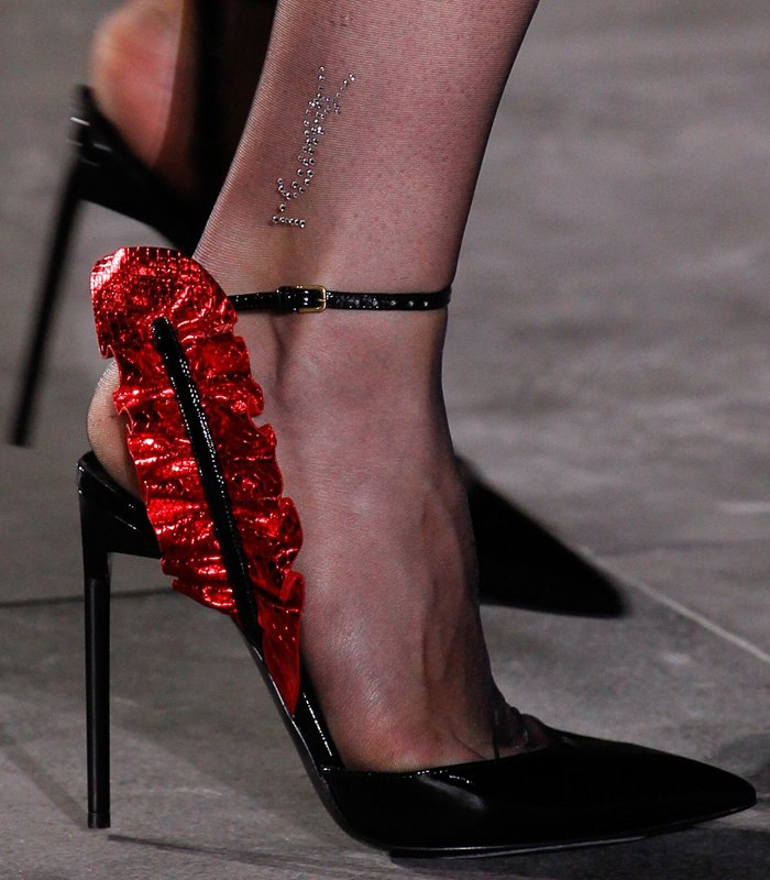saint-laurent-feather-pumps-7
